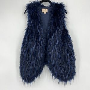 Skies Are Blue Faux Fur Vest Navy Blue